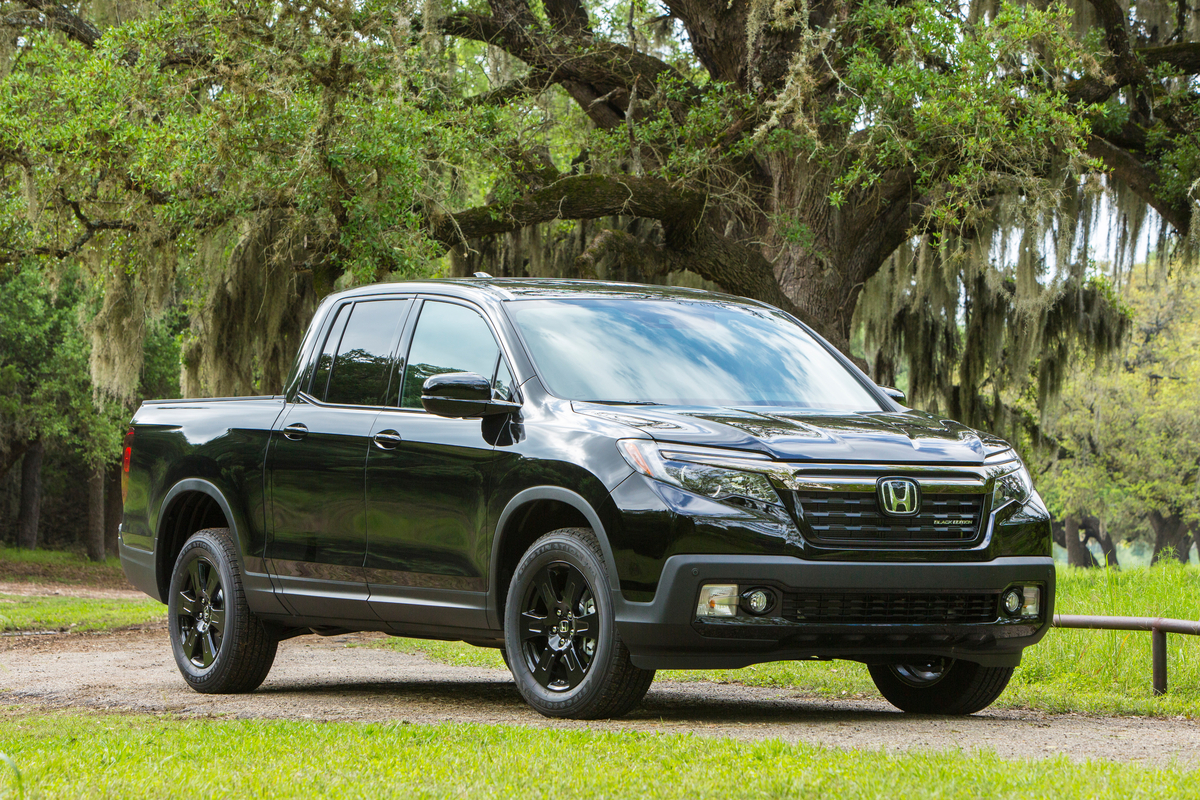 The Non Truck-Truck 2017 Honda Ridgeline Black Edition is Pure Joy