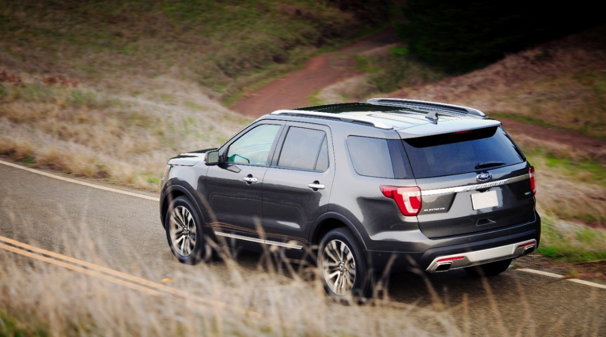 2016 Ford Explorer Platinum = Great Luxury SUV