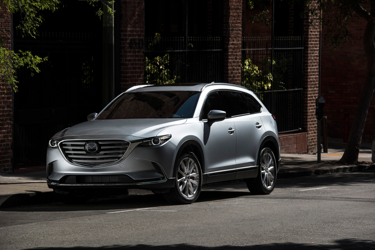 Zoom Zoom  2016 Maxda  CX-9 Signature AWD Shines On Road.